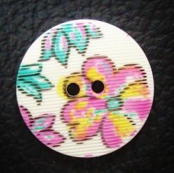 Knopf weiß m. Blumen geriffelt 15mm